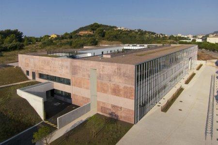 L'Ecole Nationale Supérieure Publique d'Ingénieurs à Toulon (83)